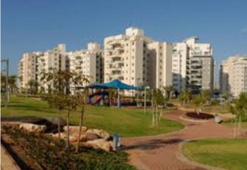 בבאר יעקב מחשיכים את הפארקים -שישי בעיר חדשות רמלה לוד