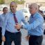 השר גלנט בעת ביקורו בלוד כשר השיכון, עם ראש העיר רביבו (ארכיון)