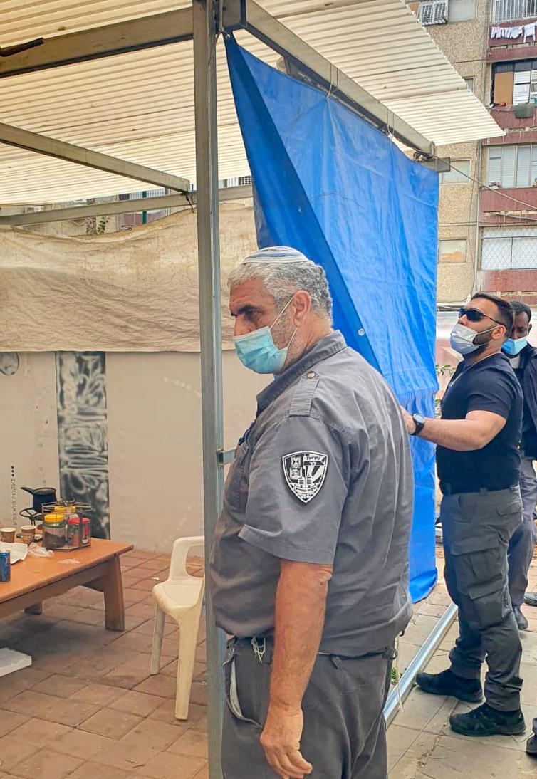 צוות השיטור והפיקוח בפעילות נגד השתלטות על שטחי ציבור שלא כחוק