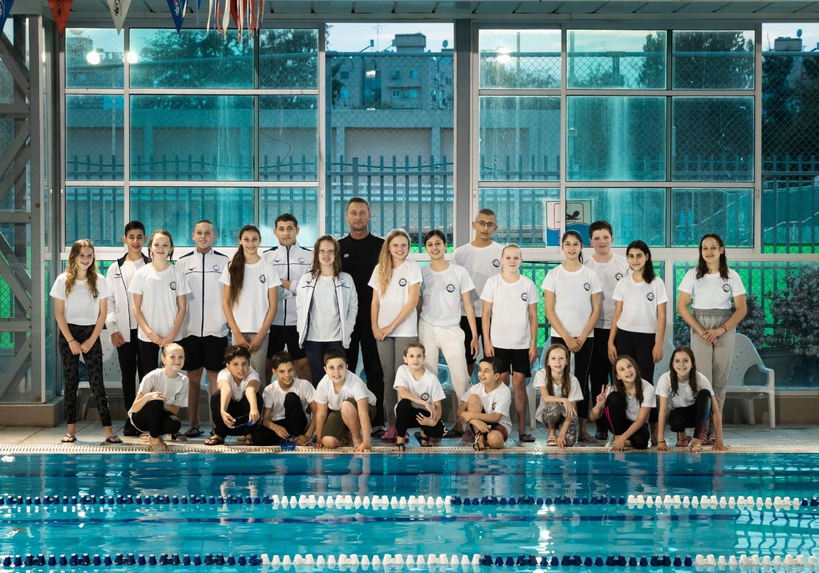 מ.ס רמלה קבוצת שחייה תחרותית קבוצה של אלופים